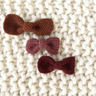 <img class='new_mark_img1' src='//img.shop-pro.jp/img/new/icons14.gif' style='border:none;display:inline;margin:0px;padding:0px;width:auto;' />Shirley Bredal NOEL  knitted hair clips