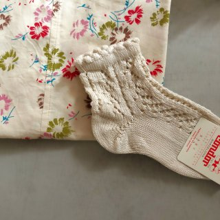 <img class='new_mark_img1' src='//img.shop-pro.jp/img/new/icons14.gif' style='border:none;display:inline;margin:0px;padding:0px;width:auto;' />Condor pearl open croche short sox (lino)