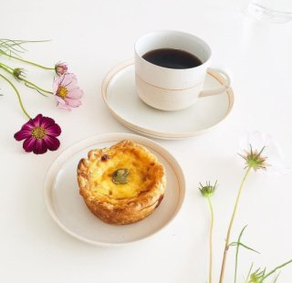 <img class='new_mark_img1' src='https://img.shop-pro.jp/img/new/icons14.gif' style='border:none;display:inline;margin:0px;padding:0px;width:auto;' />入荷!Cup&saucer くも