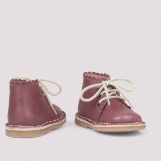 <img class='new_mark_img1' src='https://img.shop-pro.jp/img/new/icons14.gif' style='border:none;display:inline;margin:0px;padding:0px;width:auto;' />Scallop boots (berry)
