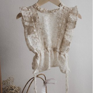 <img class='new_mark_img1' src='https://img.shop-pro.jp/img/new/icons14.gif' style='border:none;display:inline;margin:0px;padding:0px;width:auto;' />Fairy  lace vest