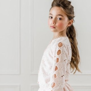 <img class='new_mark_img1' src='//img.shop-pro.jp/img/new/icons14.gif' style='border:none;display:inline;margin:0px;padding:0px;width:auto;' />petitAmalie EMBROIDARYSCALLOP BLOUSE (pale pink)