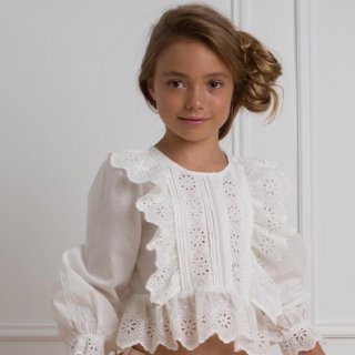<img class='new_mark_img1' src='https://img.shop-pro.jp/img/new/icons14.gif' style='border:none;display:inline;margin:0px;padding:0px;width:auto;' />petitAmalie EMBROIDARY TRIM BLOUSE (white)