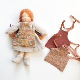 <img class='new_mark_img1' src='https://img.shop-pro.jp/img/new/icons14.gif' style='border:none;display:inline;margin:0px;padding:0px;width:auto;' />MINI happy doll apron (reversible)