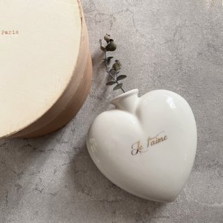 <img class='new_mark_img1' src='https://img.shop-pro.jp/img/new/icons14.gif' style='border:none;display:inline;margin:0px;padding:0px;width:auto;' />Le petitatelier de paris heart vase