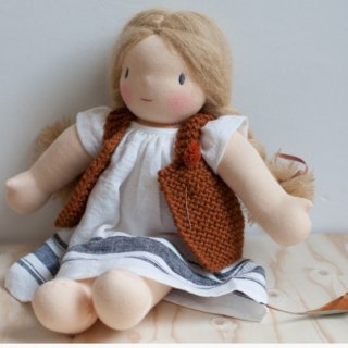 <img class='new_mark_img1' src='https://img.shop-pro.jp/img/new/icons14.gif' style='border:none;display:inline;margin:0px;padding:0px;width:auto;' />NILS happy doll knit vest (rust)