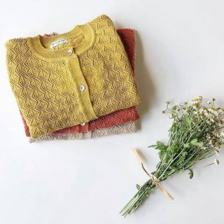 <img class='new_mark_img1' src='//img.shop-pro.jp/img/new/icons14.gif' style='border:none;display:inline;margin:0px;padding:0px;width:auto;' />HAPPY OLOGY  Agena cardigan (mustard) 即納