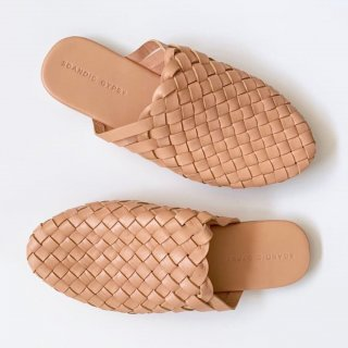 <img class='new_mark_img1' src='https://img.shop-pro.jp/img/new/icons14.gif' style='border:none;display:inline;margin:0px;padding:0px;width:auto;' />Scandic Gypsy   ladys mule sandle(nudie)