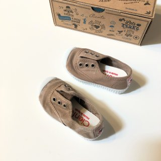 <img class='new_mark_img1' src='//img.shop-pro.jp/img/new/icons14.gif' style='border:none;display:inline;margin:0px;padding:0px;width:auto;' />CIENTA deck shoe (dyed) beige
