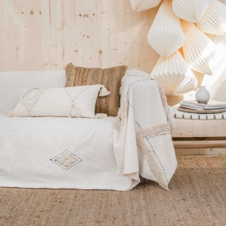 <img class='new_mark_img1' src='https://img.shop-pro.jp/img/new/icons14.gif' style='border:none;display:inline;margin:0px;padding:0px;width:auto;' />Sofa cover LIENZO off-white