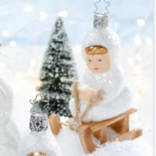 <img class='new_mark_img1' src='https://img.shop-pro.jp/img/new/icons14.gif' style='border:none;display:inline;margin:0px;padding:0px;width:auto;' />Kinder of Sledding glass Ornament