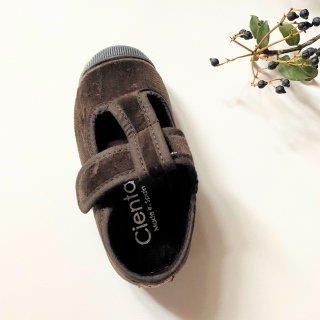 <img class='new_mark_img1' src='https://img.shop-pro.jp/img/new/icons14.gif' style='border:none;display:inline;margin:0px;padding:0px;width:auto;' />CIENTA Veloa T strap shoe (marron )