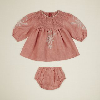 <img class='new_mark_img1' src='https://img.shop-pro.jp/img/new/icons14.gif' style='border:none;display:inline;margin:0px;padding:0px;width:auto;' />APOLINA baby NOELLE  dress & bloomer set (faded coral)