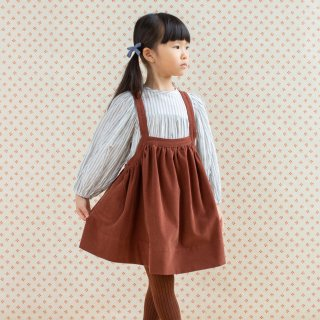 <img class='new_mark_img1' src='https://img.shop-pro.jp/img/new/icons14.gif' style='border:none;display:inline;margin:0px;padding:0px;width:auto;' />SOORPLOOM  Eloise pinfore (loam)
