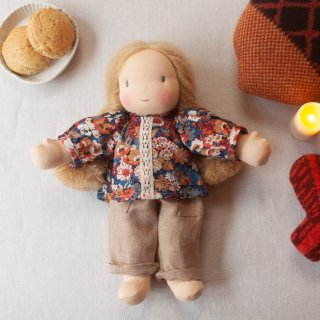 <img class='new_mark_img1' src='https://img.shop-pro.jp/img/new/icons14.gif' style='border:none;display:inline;margin:0px;padding:0px;width:auto;' />NILS happy doll liberty blouse with lace