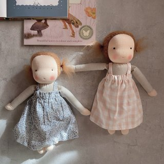 <img class='new_mark_img1' src='https://img.shop-pro.jp/img/new/icons14.gif' style='border:none;display:inline;margin:0px;padding:0px;width:auto;' />LITTLE KIN STUDIO  doll (medium) twin hair