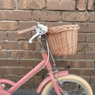 <img class='new_mark_img1' src='https://img.shop-pro.jp/img/new/icons14.gif' style='border:none;display:inline;margin:0px;padding:0px;width:auto;' />入荷! Rattan Bicycle basket for kids From Latvia