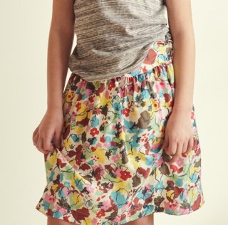<img class='new_mark_img1' src='https://img.shop-pro.jp/img/new/icons14.gif' style='border:none;display:inline;margin:0px;padding:0px;width:auto;' />CARAMEL  Flounder Skirt Woven skirt Painted flower