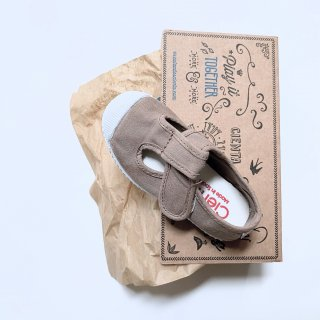 <img class='new_mark_img1' src='https://img.shop-pro.jp/img/new/icons14.gif' style='border:none;display:inline;margin:0px;padding:0px;width:auto;' />CIENTA TSTRAP shoe (beige dyed)