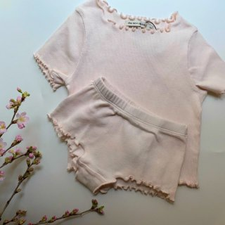 <img class='new_mark_img1' src='https://img.shop-pro.jp/img/new/icons14.gif' style='border:none;display:inline;margin:0px;padding:0px;width:auto;' />The New Society  MAR BLUSH TEE& Shorts Set