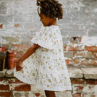 <img class='new_mark_img1' src='https://img.shop-pro.jp/img/new/icons14.gif' style='border:none;display:inline;margin:0px;padding:0px;width:auto;' />Little cottons SADE lace Panel dress (tansy floral)