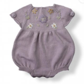 <img class='new_mark_img1' src='https://img.shop-pro.jp/img/new/icons14.gif' style='border:none;display:inline;margin:0px;padding:0px;width:auto;' />Shirley Bredal cotton flower romper(新色lilac)
