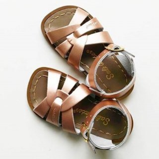 <img class='new_mark_img1' src='https://img.shop-pro.jp/img/new/icons14.gif' style='border:none;display:inline;margin:0px;padding:0px;width:auto;' />Salt waters sandle ORIGINAL (rose gold) kids