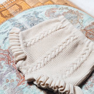 <img class='new_mark_img1' src='https://img.shop-pro.jp/img/new/icons14.gif' style='border:none;display:inline;margin:0px;padding:0px;width:auto;' />Cream knitted shorts FROM SPAIN