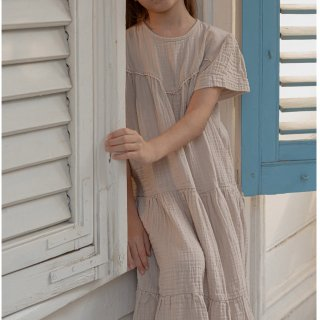 <img class='new_mark_img1' src='https://img.shop-pro.jp/img/new/icons14.gif' style='border:none;display:inline;margin:0px;padding:0px;width:auto;' />Minimom LAURA  long DRESS ( beige)