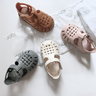<img class='new_mark_img1' src='https://img.shop-pro.jp/img/new/icons14.gif' style='border:none;display:inline;margin:0px;padding:0px;width:auto;' />Igor Kids sandals  Tobby Solid