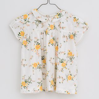 <img class='new_mark_img1' src='https://img.shop-pro.jp/img/new/icons20.gif' style='border:none;display:inline;margin:0px;padding:0px;width:auto;' />SALE!!!Little cottons JUNO TOP  (MARIGOLD FLORAL WHITE)