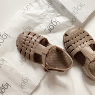 <img class='new_mark_img1' src='https://img.shop-pro.jp/img/new/icons14.gif' style='border:none;display:inline;margin:0px;padding:0px;width:auto;' />Igor Kids sandals  CLASSICA  Solid  (TAUPE)
