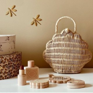 <img class='new_mark_img1' src='https://img.shop-pro.jp/img/new/icons14.gif' style='border:none;display:inline;margin:0px;padding:0px;width:auto;' />Olliella shell  purse  (natural)