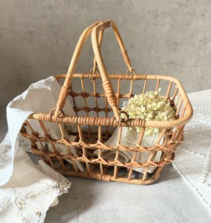 <img class='new_mark_img1' src='https://img.shop-pro.jp/img/new/icons14.gif' style='border:none;display:inline;margin:0px;padding:0px;width:auto;' />入荷!Rattan Braided basket