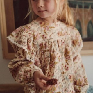<img class='new_mark_img1' src='https://img.shop-pro.jp/img/new/icons14.gif' style='border:none;display:inline;margin:0px;padding:0px;width:auto;' />即納 LOUIS MISHA  Celia Blouse (cream french flower)
