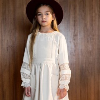 <img class='new_mark_img1' src='https://img.shop-pro.jp/img/new/icons14.gif' style='border:none;display:inline;margin:0px;padding:0px;width:auto;' />BEBE ORGANIC ROSE  blouse (natural )