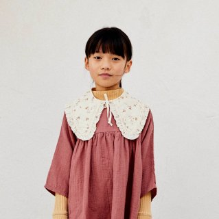 <img class='new_mark_img1' src='https://img.shop-pro.jp/img/new/icons14.gif' style='border:none;display:inline;margin:0px;padding:0px;width:auto;' />LiiLU   CARINA collar  (flower)