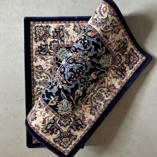 <img class='new_mark_img1' src='https://img.shop-pro.jp/img/new/icons14.gif' style='border:none;display:inline;margin:0px;padding:0px;width:auto;' />Concert Rug  Navy(60×90cm)