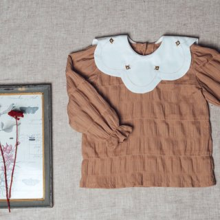 <img class='new_mark_img1' src='https://img.shop-pro.jp/img/new/icons14.gif' style='border:none;display:inline;margin:0px;padding:0px;width:auto;' />DustyPink  embridary collar blouse FROM SPAIN