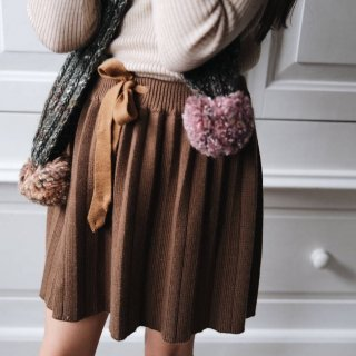 <img class='new_mark_img1' src='https://img.shop-pro.jp/img/new/icons14.gif' style='border:none;display:inline;margin:0px;padding:0px;width:auto;' />MABLI  BETI pleated SKIRT 100 wool   (Cedar )4y~8y