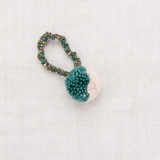 <img class='new_mark_img1' src='https://img.shop-pro.jp/img/new/icons14.gif' style='border:none;display:inline;margin:0px;padding:0px;width:auto;' />★MISHA & PUFF pom pom Hair Tie (Peacock)
