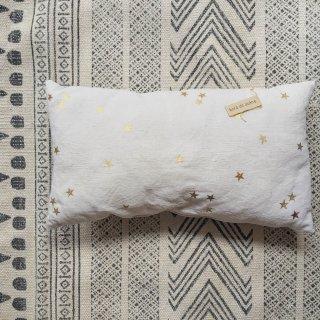 Bord de scene gold star cushion