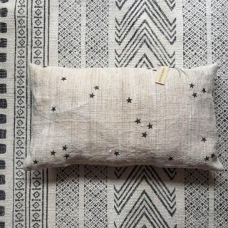 Bord de scene black star cushion