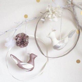 Creme Anglaise  Mobile Oiseau  white & silver